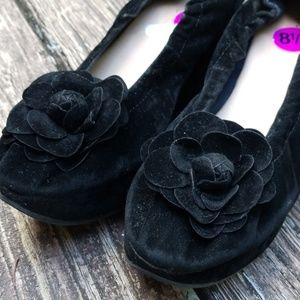 Restricted Black Wedges